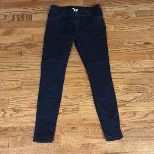 Liz Lange Maternity skinny legs jeans!